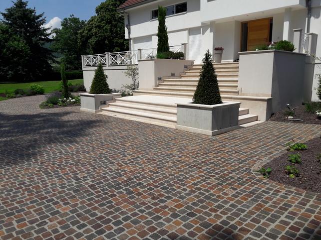 Réaménagement d'une cour en pavés pierre naturelle sur Issenheim