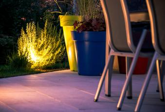 Comment illuminer vos extérieurs toute l'année ?