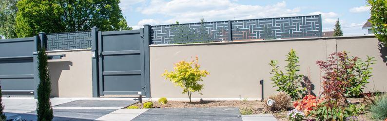 Clôtures et brises vues aluminium – longévité au jardin
